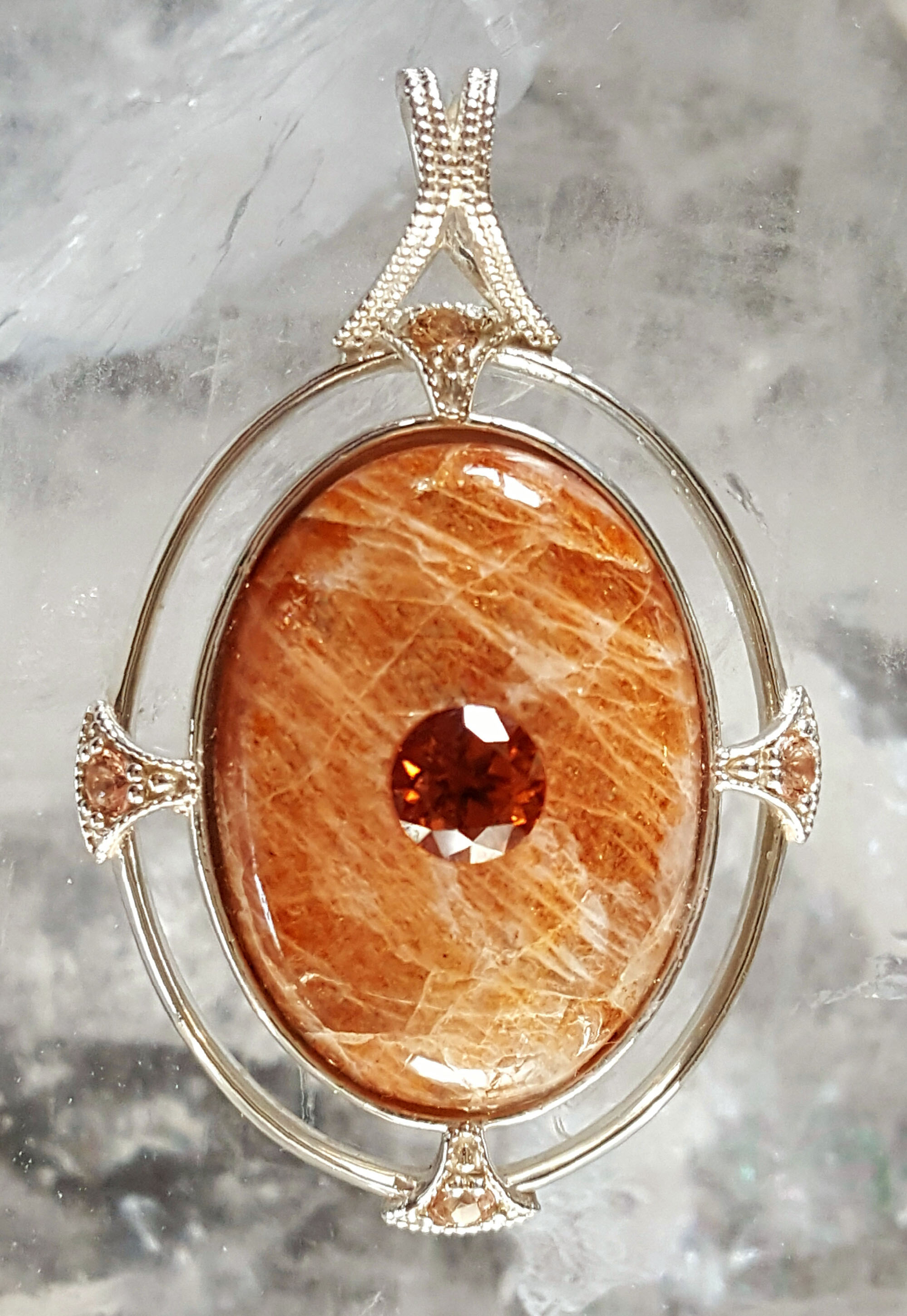 sunstone gold pendant and green red store